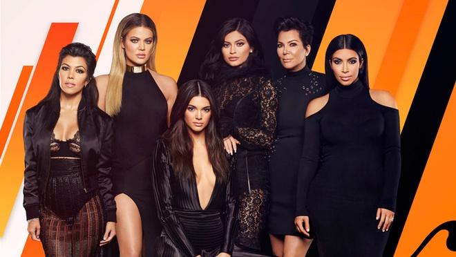 Tap chi Forbes bi che nhao vi goi Kylie Jenner la 'ty phu tu than' hinh anh 3