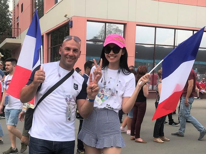 A hau Thanh Tu sang Nga xem chung ket World Cup ngay sat gio da hinh anh