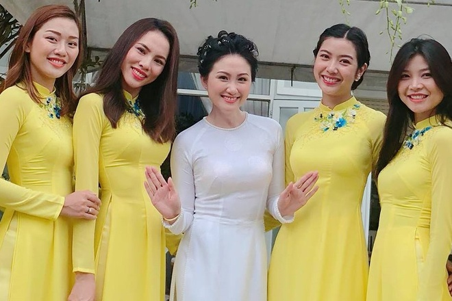 Dan Hoa khoi, A hau bung trap trong le hoi nguoi dep Thanh Nhan hinh anh