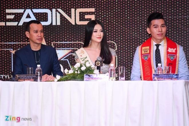 Hoa hau Phuong Khanh khoe nhan sac, khong phu nhan tin don dao keo hinh anh 8