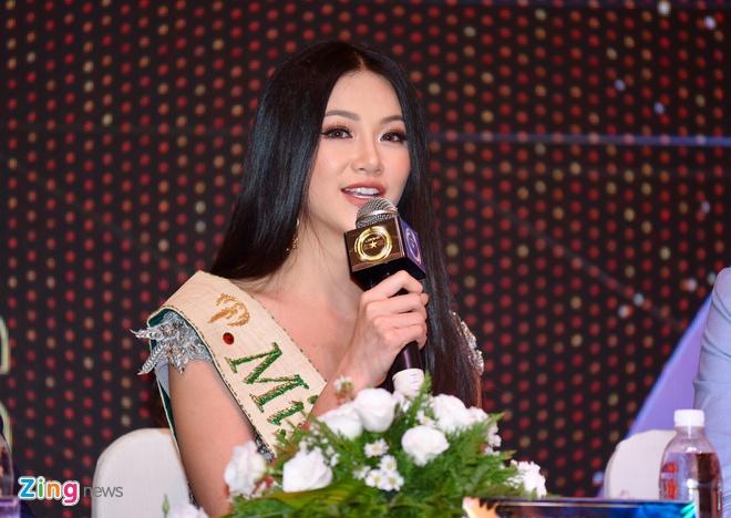 Hoa hau Phuong Khanh khong duoc mang vuong mien ve Viet Nam hinh anh