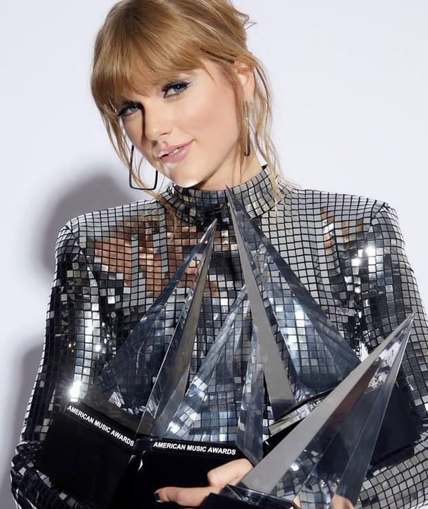 Che nhac Taylor Swift, Tung Duong gay tranh cai hinh anh 3