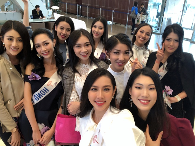 Thuy Tien hat, noi tieng Anh troi chay trong clip thi Hoa hau Quoc te hinh anh 12