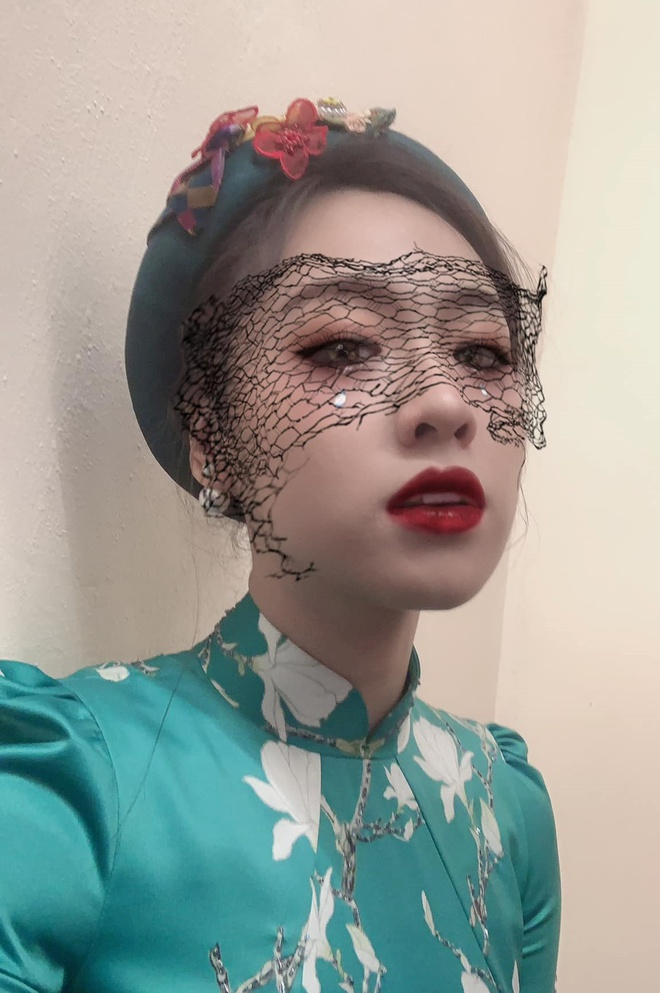 Vo chong Tang Thanh Ha va dan sao Viet hoa trang Halloween hinh anh 5