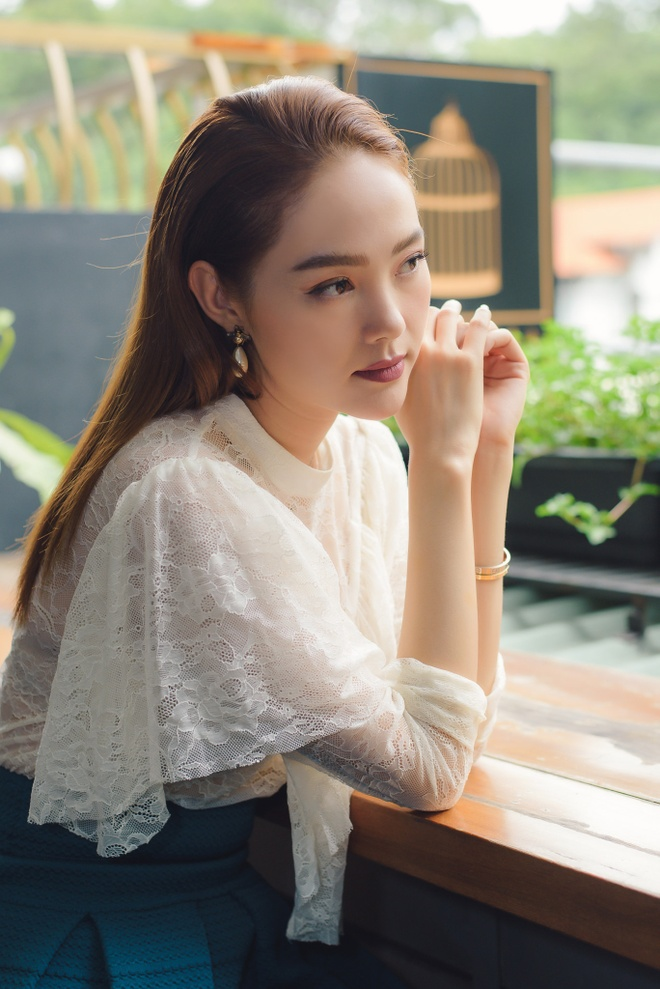 Minh Hang that bai truoc nghe si rap Malaysia tai MTV EMAs 2018 hinh anh 2