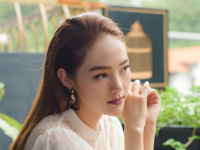 Minh Hang that bai truoc nghe si rap Malaysia tai MTV EMAs 2018 hinh anh