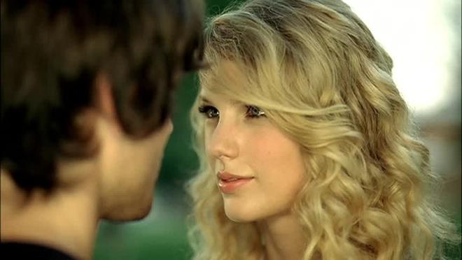 Taylor Swift xinh nhu cong chua trong album gay bao 10 nam truoc hinh anh 4