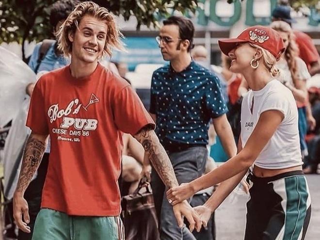 Hailey Bieber duoc yeu men hon tu khi ket hon va doi ho theo Justin hinh anh