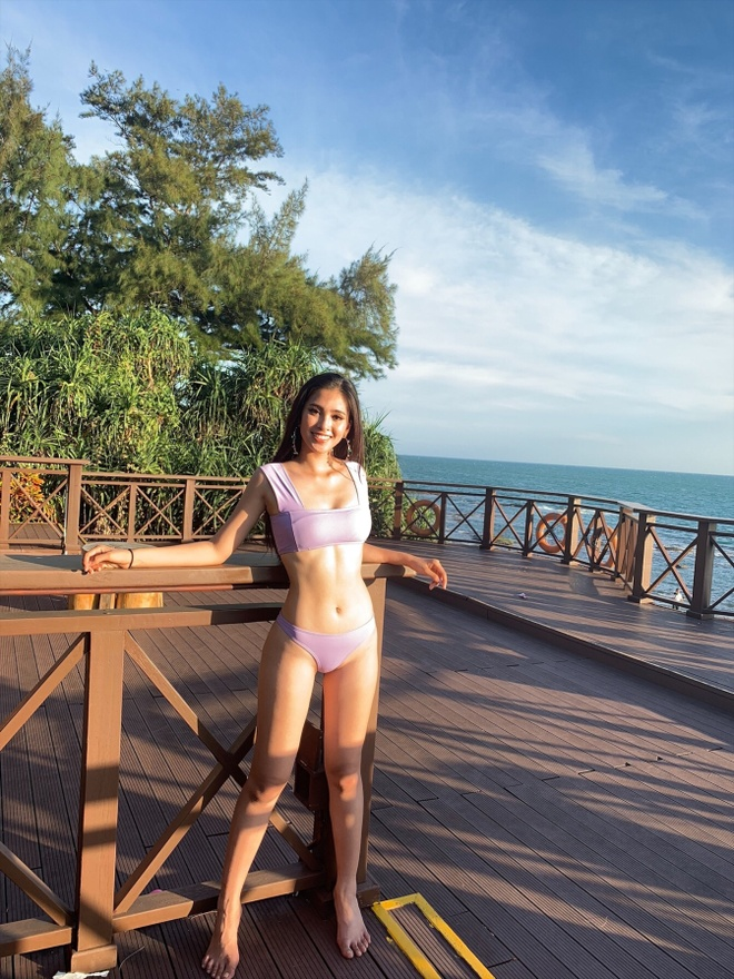 Hoa hau Tieu Vy khoe hinh the san chac, goi cam o Miss World hinh anh 1