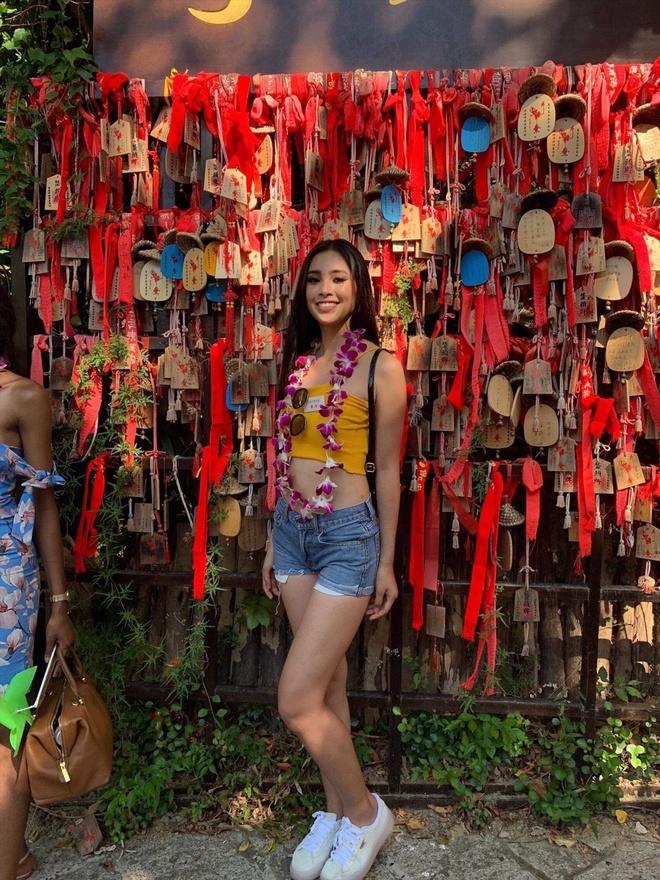 Hoa hau Tieu Vy khoe hinh the san chac, goi cam o Miss World hinh anh 7