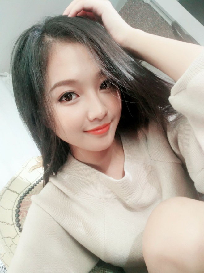 Ve trong treo cua hot girl Viet dong phim ve tinh yeu hoc tro hinh anh 8