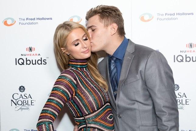 Ban trai cu doi Paris Hilton tra nhan dinh hon du khong bo tien mua hinh anh 2