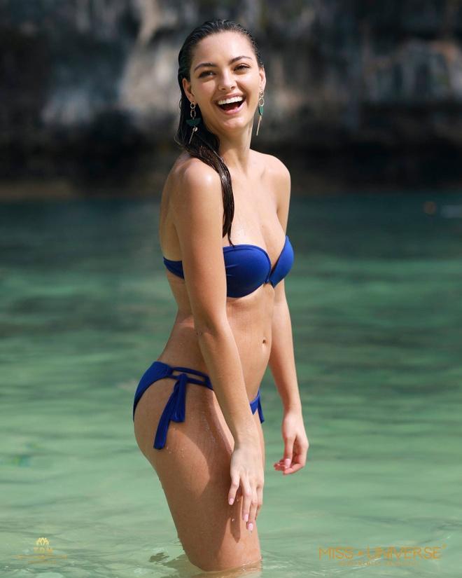 Nguoi dep Hoa hau Hoan vu dien bikini nong bong tren dao Thai Lan hinh anh 12
