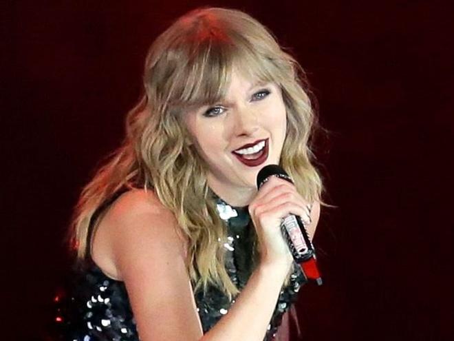 Taylor Swift: Nam 2018 huy hoang va 'cu tat' cua Grammy vao phut cuoi hinh anh