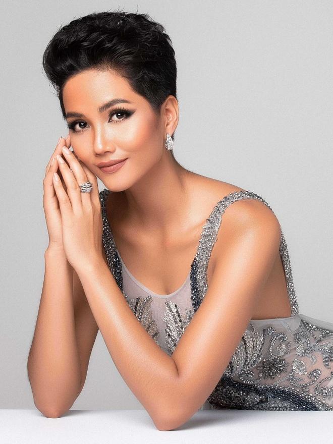 H'Hen Nie va Tieu Vy vao Top 50 Miss Grand Slam hinh anh 1