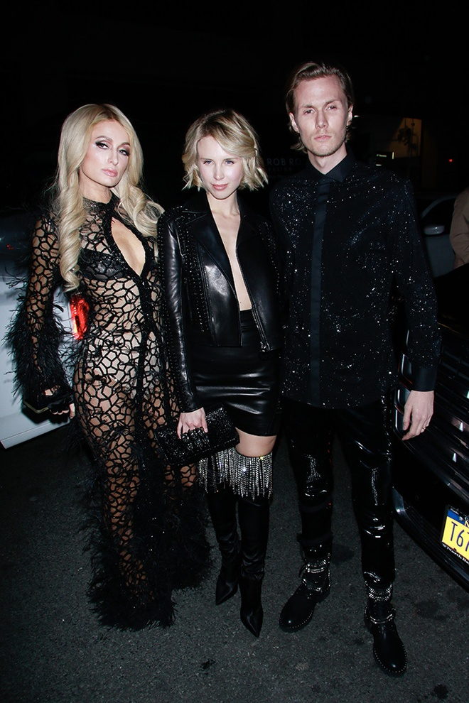 Paris Hilton bi che khi mac vay mang nhen, lo noi y phan cam hinh anh 2