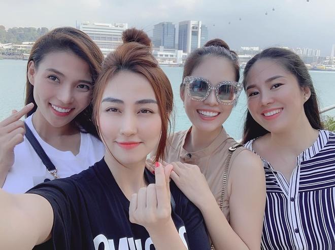 5 hoi ban than noi tieng, sang chanh nhat showbiz Viet hinh anh 8