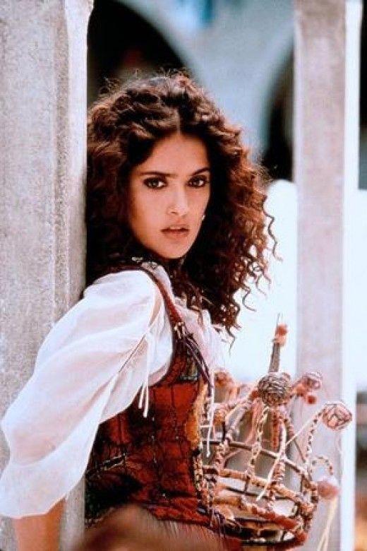3 my nhan tuyet sac dong nang Esmeralda trong 'Nha tho Duc Ba Paris' hinh anh 7