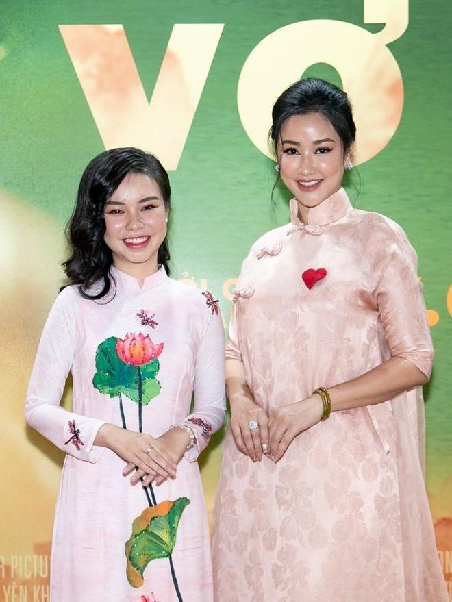 Nhan sac co gai Viet dong canh nong nam 13 tuoi trong phim 'Vo ba' hinh anh 6
