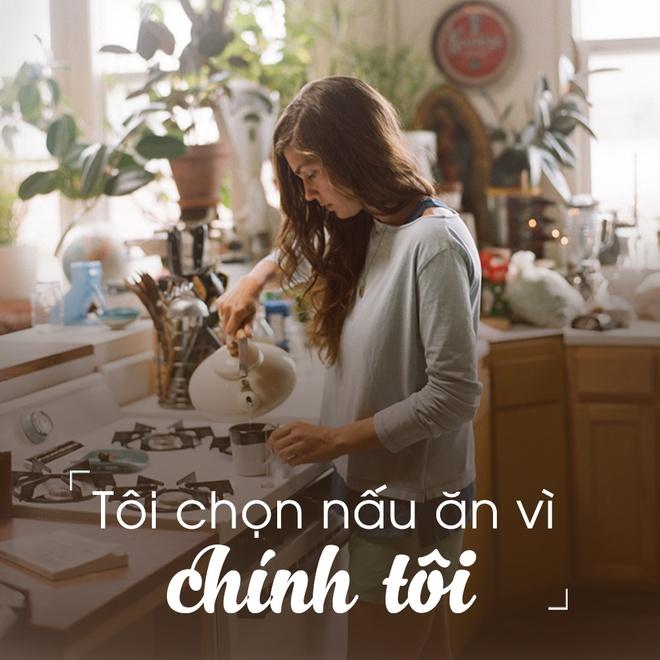 'Toi van hanh phuc du khong biet lam long vit' hinh anh 2