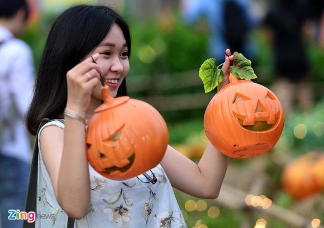 Nhung dia diem thu hut gioi tre Sai Gon dip Halloween hinh anh