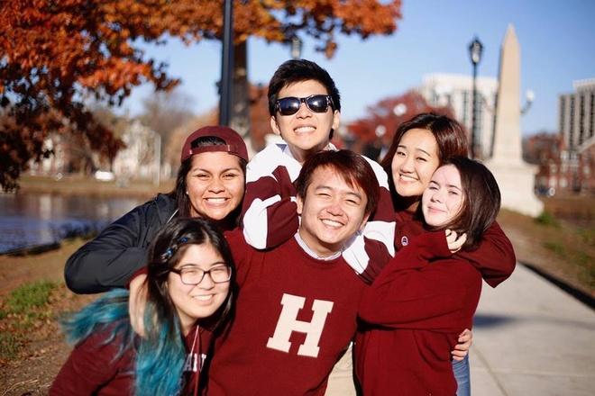 Harvard, bon ruoi sang: 'Co the sinh vien thuc de choi' hinh anh