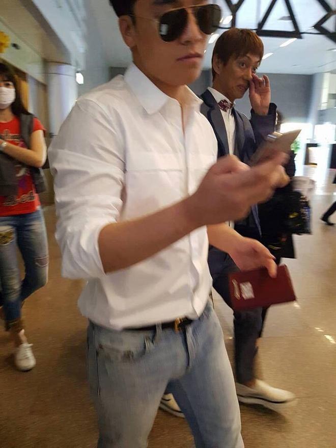Fan Big Bang phan khich vi Seungri co mat tai Da Nang hinh anh 4