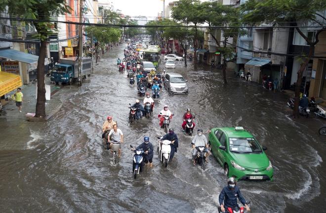 Trận mưa trên 407 mm, kỷ lục 40 năm ở Sài Gòn