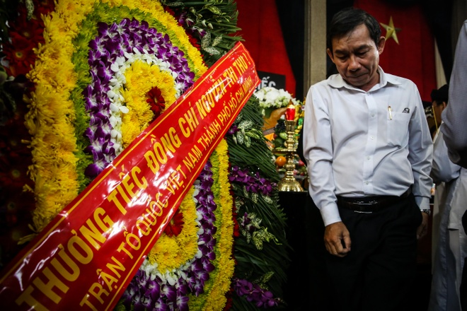 Nước mắt rơi tại lễ viếng Phó chủ tịch UBND TP.HCM Nguyễn Thị Thu