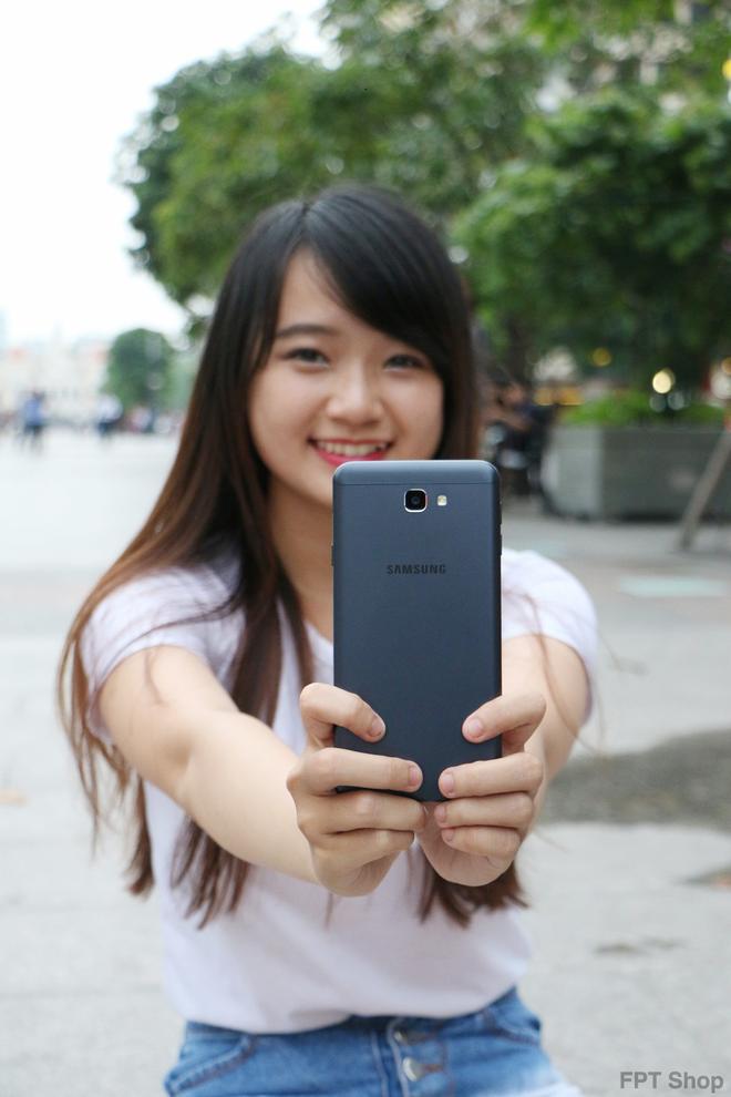 FPT Shop tang 1 trieu dong khi dat mua Galaxy J7 Prime hinh anh 3