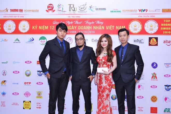 Doanh nhan tieu bieu 2016,  Hoa Ngo,  BHB anh 1