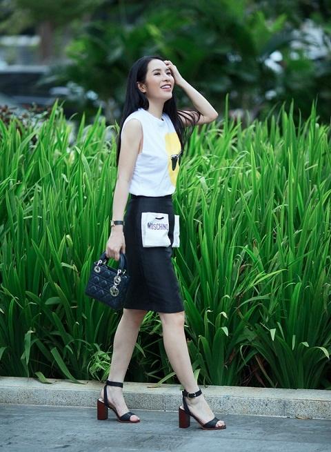 Street style diu dang cua Hoa khoi Pham Ai Huyen hinh anh 6