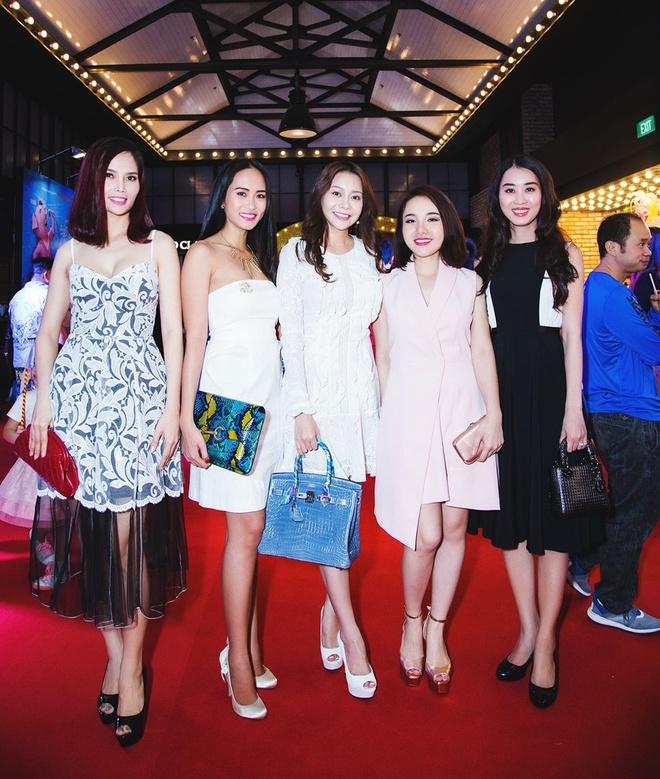 Ngoc Trinh,  Hoa hau Ao dai Viet Nam tai My anh 3