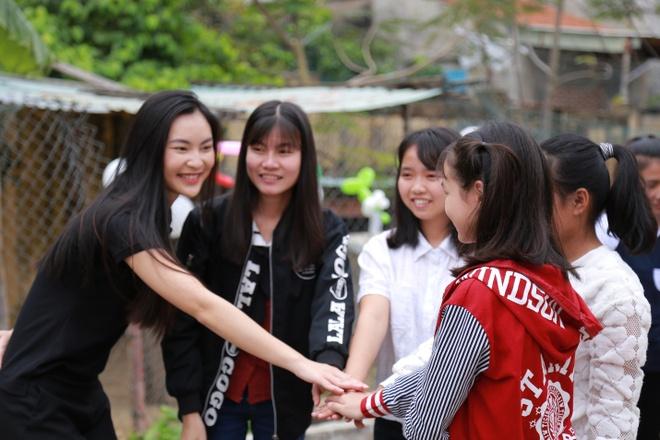 Mai am Da Nang tran yeu thuong cung Phan Anh, Helly Tong hinh anh 3