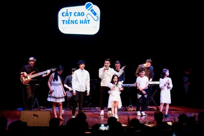 Nhung phan thi an tuong tai chung ket 'FYD Voice up kid 2017' hinh anh 8