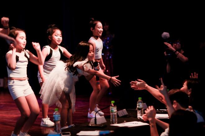 Nhung phan thi an tuong tai chung ket 'FYD Voice up kid 2017' hinh anh 6