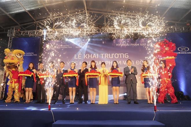 Hyundai Thanh Cong khai truong hang loat dai ly dip dau nam hinh anh 1