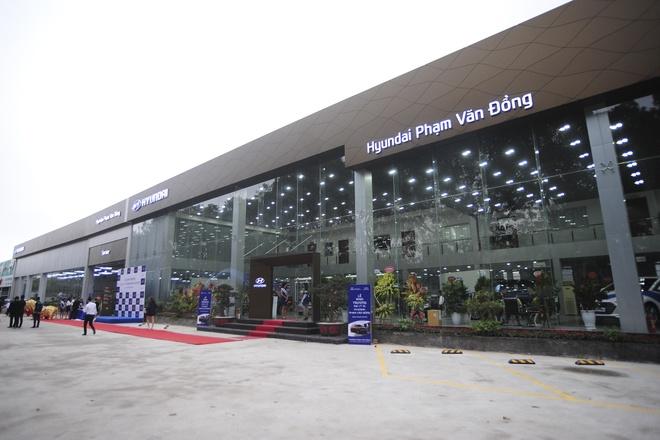 Hyundai Thanh Cong khai truong hang loat dai ly dip dau nam hinh anh 4