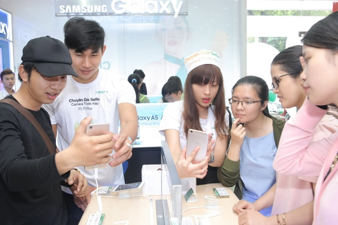 Oppo F3 Plus hut khach trong ngay dau mo ban hinh anh 2