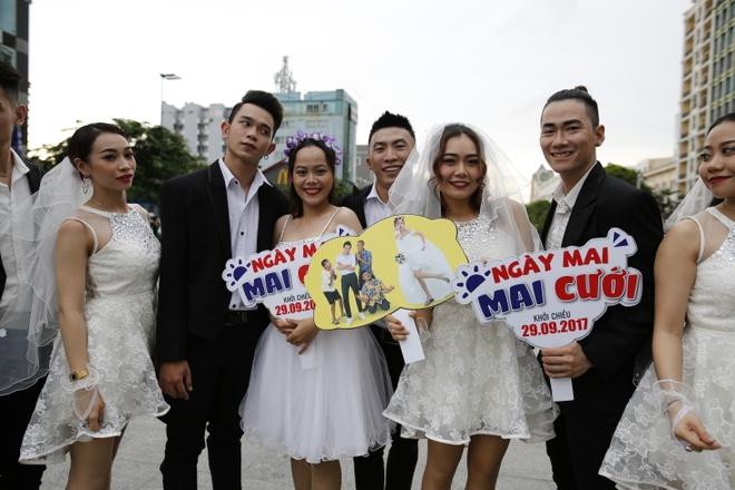 Hon 60 co dau, chu re nhay flashmob tren pho di bo Nguyen Hue hinh anh 7