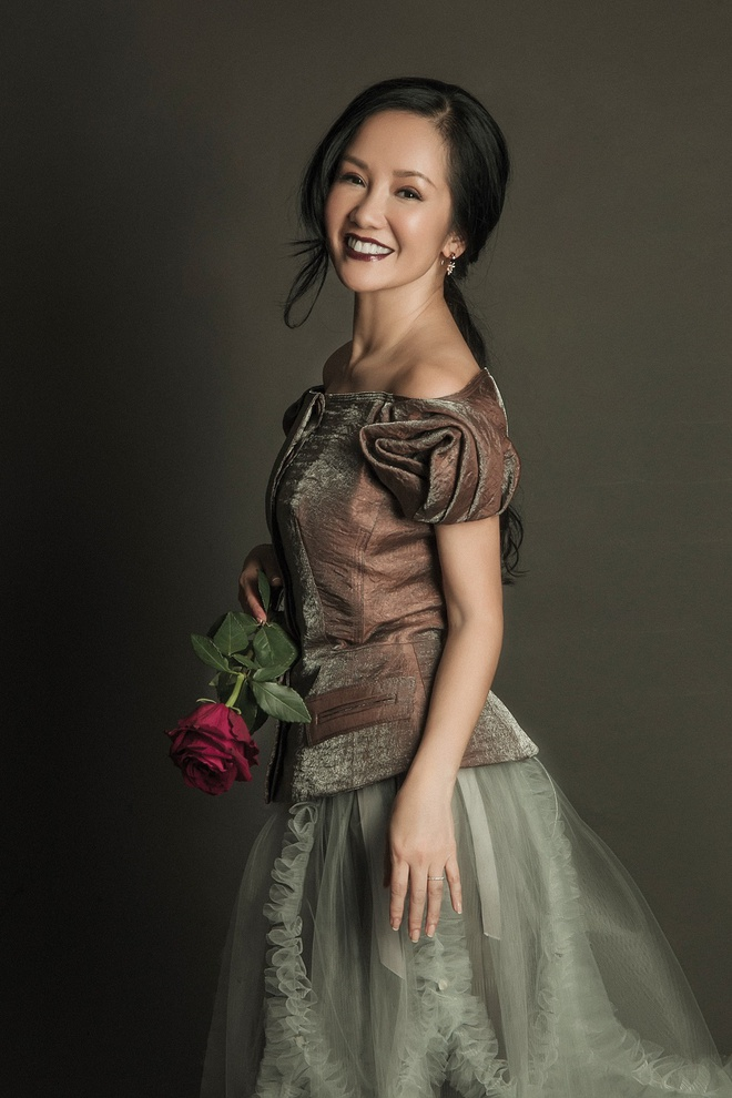 Diva Hong Nhung ket hop cung hoc tro Vu Cat Tuong trong CD moi hinh anh 2