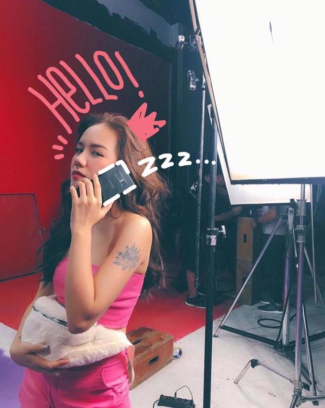 Hot teen Viet huong ung trao luu trang tri anh 'Khoanh khac 2017' hinh anh 1