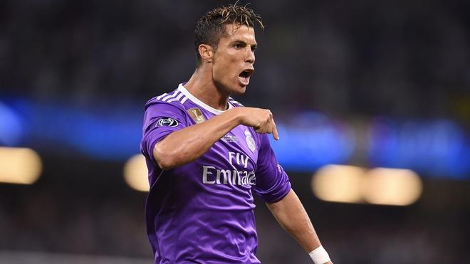 Ronaldo va nhung kieu toc 'phong do' qua nam thang hinh anh 10