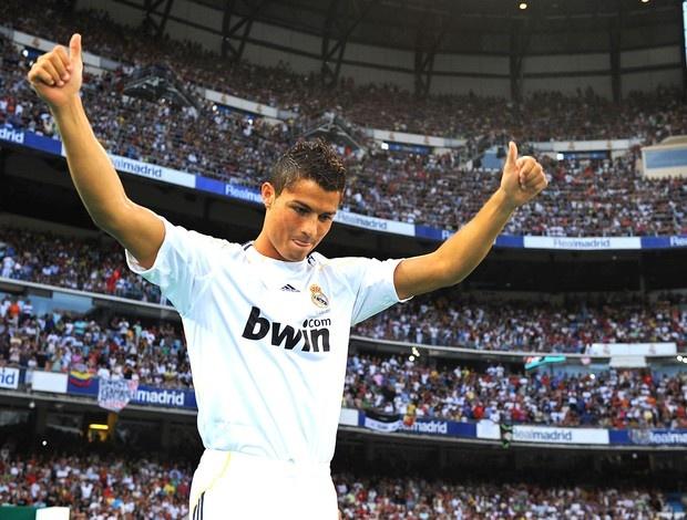 Ronaldo va nhung kieu toc 'phong do' qua nam thang hinh anh 5