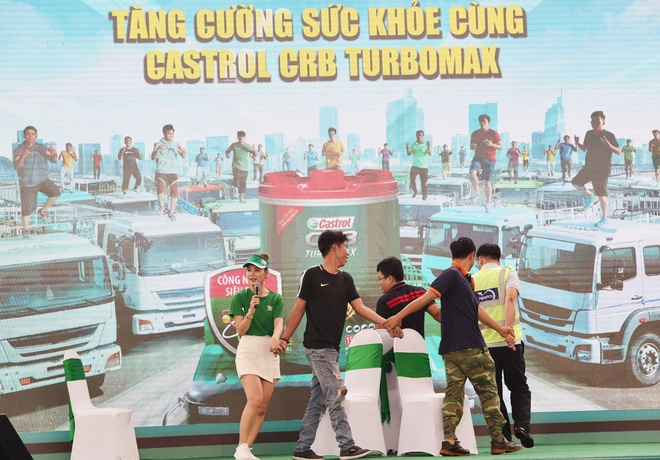 Quoc Co,  Quoc Nghiep,  Castrol anh 8