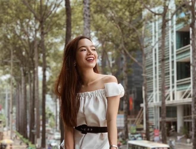 Emmi Hoang truyen cam hung hanh dong hinh anh