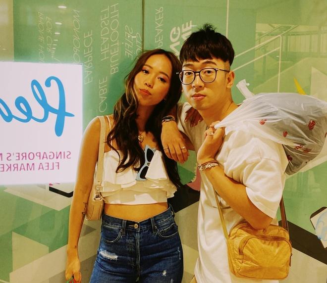 Video - Hoc Bedaulbe, Ninh Tito cach mua sam tai Singapore hinh anh
