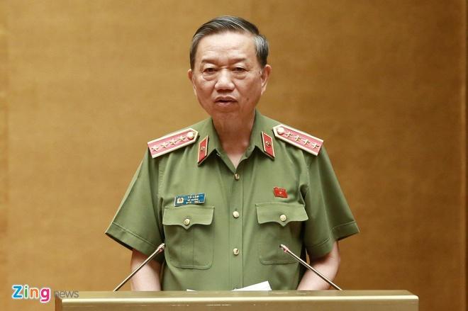 Bo truong To Lam giai trinh viec 'pham nhan lao dong ngoai trai giam' hinh anh 2
