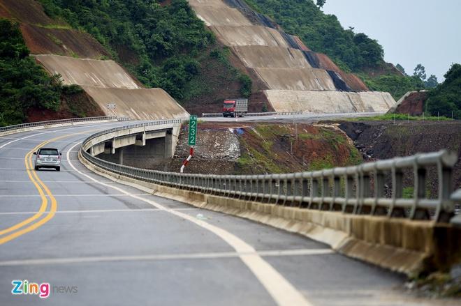 Hủy đấu thầu quốc tế làm 8 dự án của cao tốc Bắc – Nam chậm tiến độ