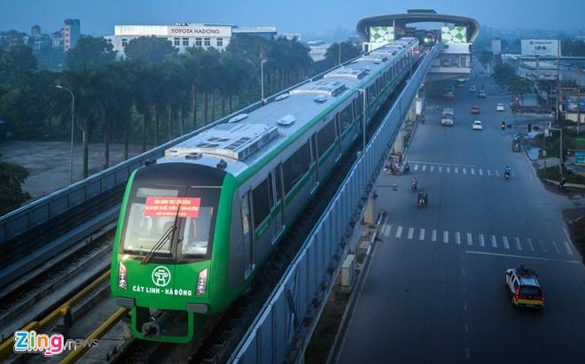 Hang tram cong nhan bo viec vi duong sat Cat Linh cham tien do hinh anh 1
